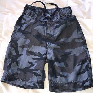 Gap kids Boys swim trunks camouflage blue